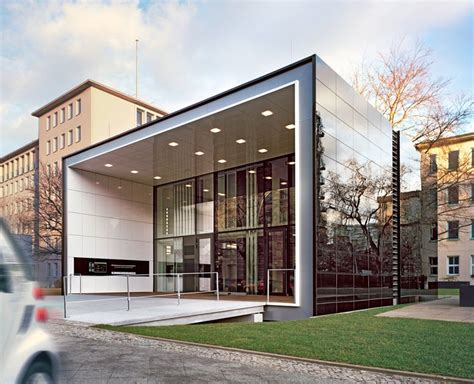 Efficiency House Plus with electromobility | Werner Sobek