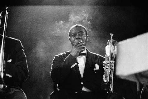 TW_LA011 : Louis Armstrong - Iconic Images