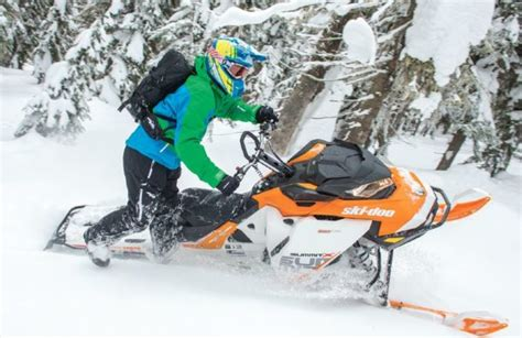 Magazine Names Top 10 Snowmobiles For 2017 | SnowGoer