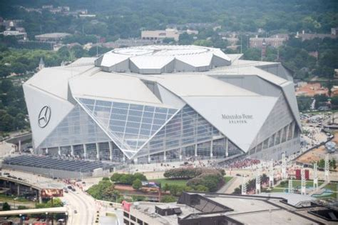 Roof at Mercedes-Benz Stadium in Atlanta finally open for