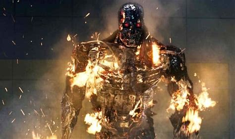 Arnold Schwarzenegger comes back as an old T-800 in