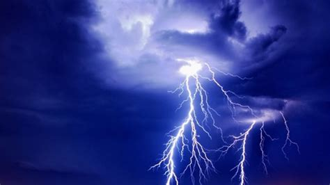 WATCH: There was some seriously scary lightning in Mayo