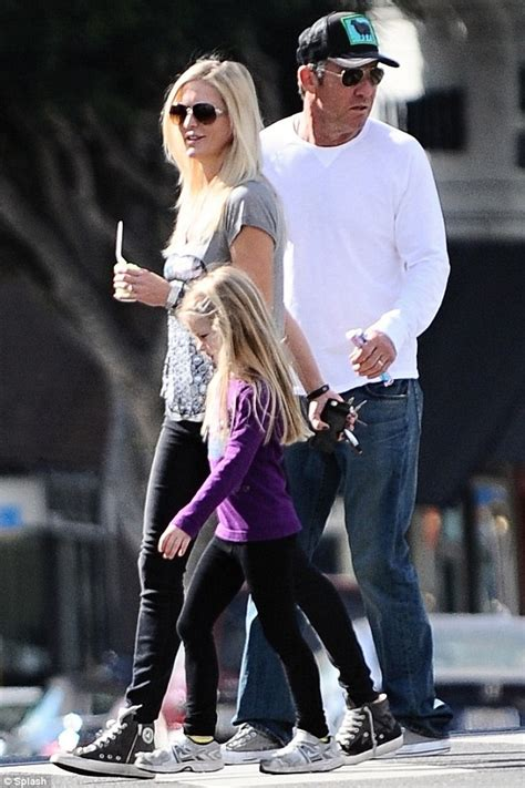 Dennis Quaid puts marriage woes behind him on stroll with